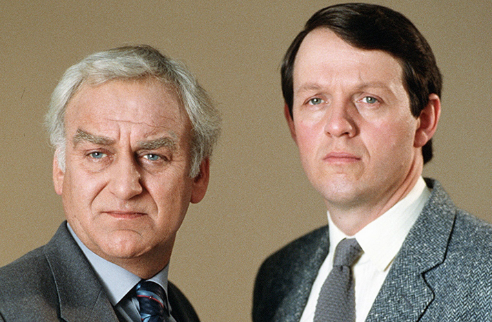 analysis of the american tv series inspector morse Inspector morse is a series of crime novels written by colin dexter the series followed the cases investigated by detective chief inspector endeavour morse and his partner detective sergeant robert lewis.