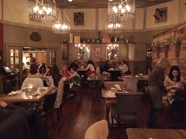Napa Kitchen + Bar dining room.