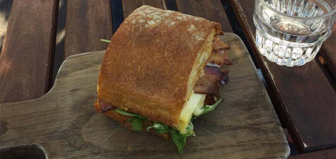 The Fox in the Snow is bringing its egg sandwich to New Albany.